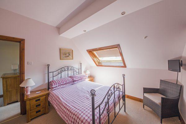 y-stabl-double-bedroom