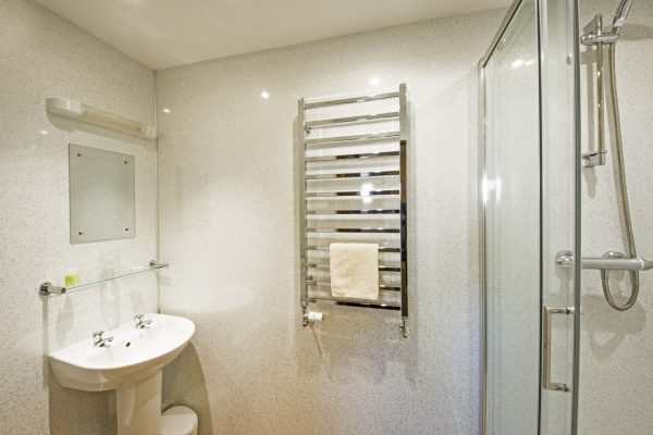 y-stabl-downstairs-bathroom