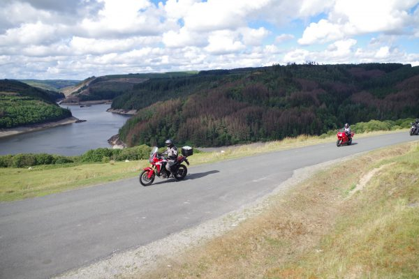 bikes-at-llyn-brianne-reservoir